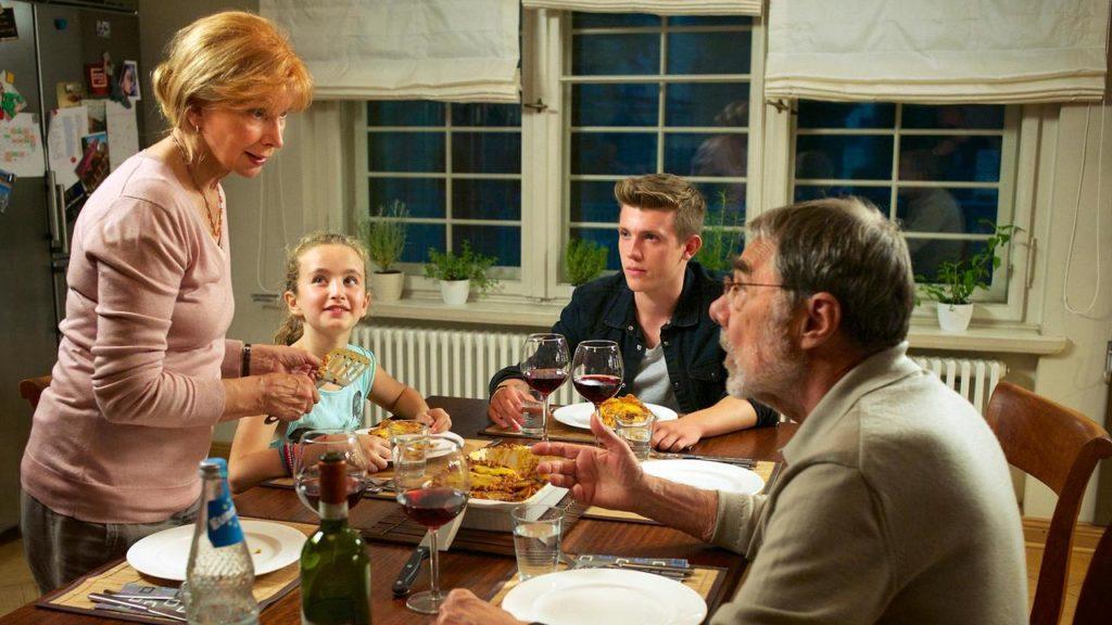Eilsabeth Lanz, Schauspielerin, Familie, Fernsehen, Serie, Rotwein, Abendessen, Schauspiel, Vater, Mutter